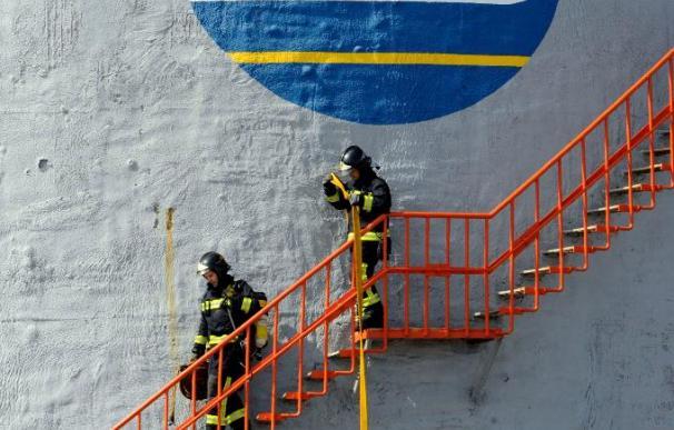Fallece uno de los operarios heridos en el incendio del puerto de La Luz