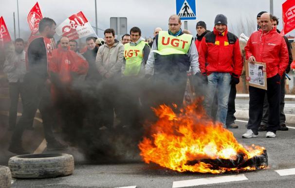 Trabajadores de Nissan piden al Gobierno una mayor implicación en la planta de Ávila