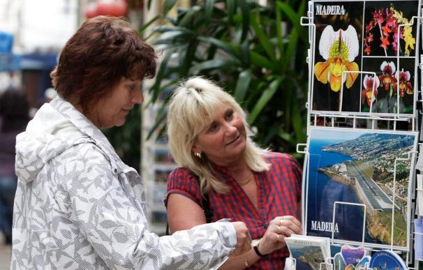 Aumentan a veintinueve los desaparecidos en Madeira, donde ya empieza a reactivarse el turismo