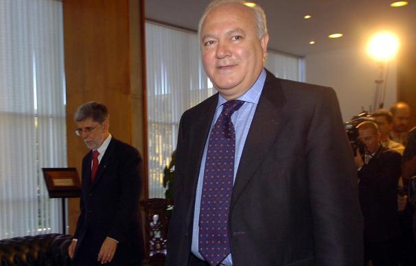 Zapatero suspende su viaje a Brasil para seguir de cerca las medidas económicas