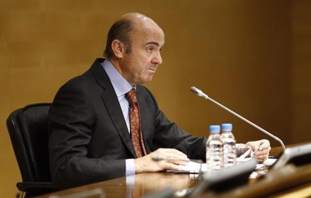 El ministro De Guindos ofrece la conferencia 'Presente y futuro de la economía española'