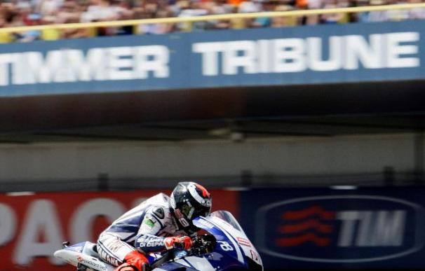 Lorenzo suma su cuarta victoria y se destaca en el Mundial de MotoGP