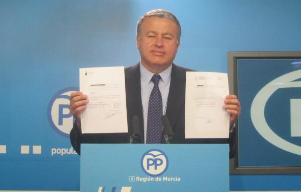"""PP alude a """"gran humareda bajo la que no hay nada"""" y lamenta el """"cachondeo"""" en Murcia cuando se habla de Sánchez"""