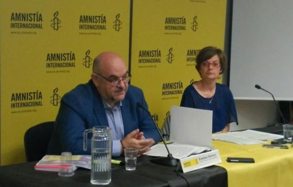 Amnistía denuncia que el sistema de asilo en España lleva a la indigencia