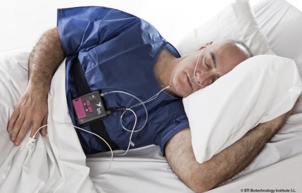 Dormir mucho y estar cansado, dolor de cabeza, irritabilidad o apatía, principales síntomas de la apnea del sueño
