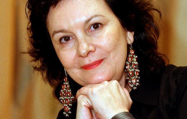 Clara Sánchez dice que es el momento de recuperar la memoria sobre los nazis