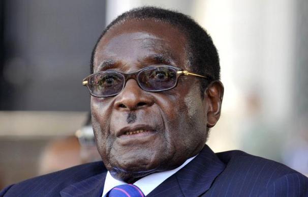 Mugabe transferirá parte de las empresas extranjeras a los negros