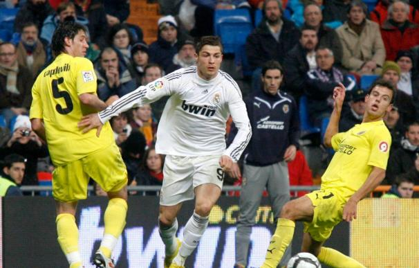 Ronaldo pide que Raúl continúe más años en el Real Madrid