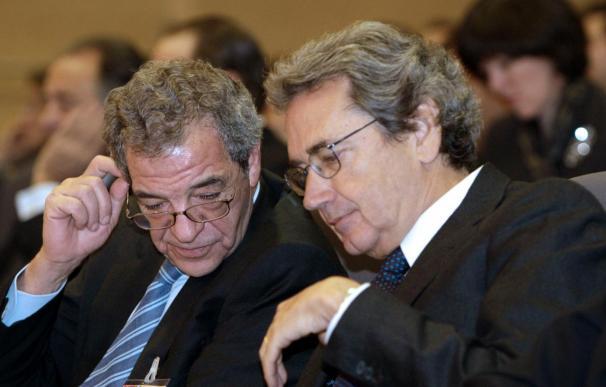 Telecom y Telefónica congelan su posible fusión, según la prensa italiana