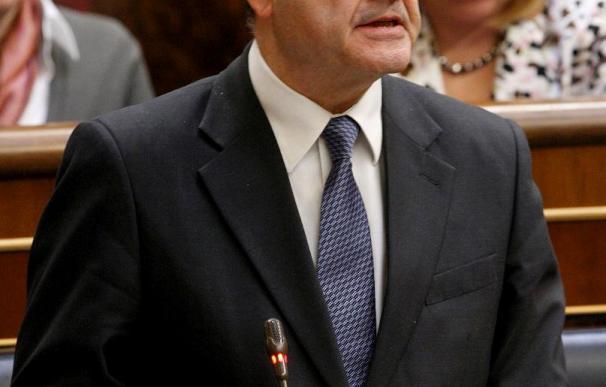 Chaves reprocha al PP sus condiciones para pactar y descarta ser candidato