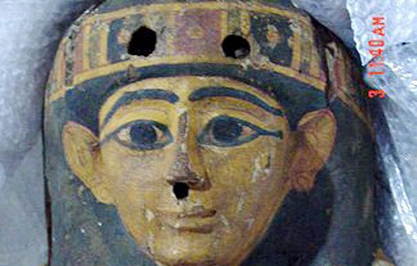 Una fotografía del sarcófago facilitada por el Consejo Nacional de Antigüedades egipcio - EFE