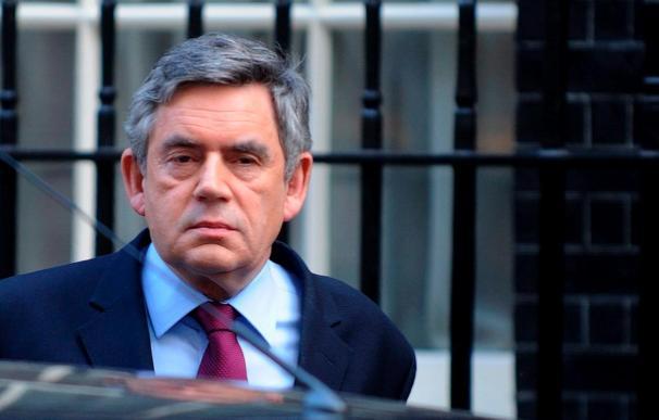 Las acusaciones de maltrato a sus subordinados persiguen a Gordon Brown