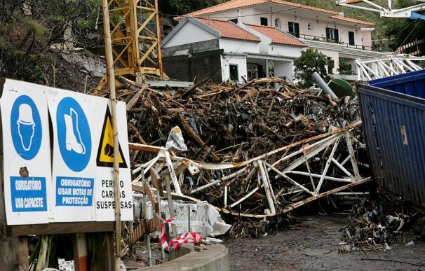 Funchal entre la resignación y el temor por hallar nuevas víctimas