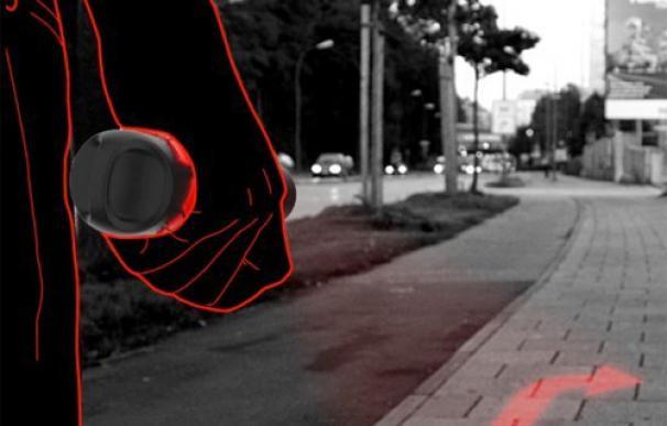 Navegador GPS que proyecta las indicaciones a seguir en el suelo