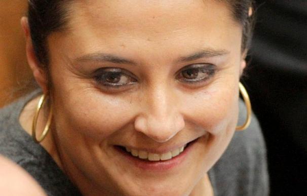 """El PP acusa de """"estafa"""" a la directora del Instituto de la Mujer"""