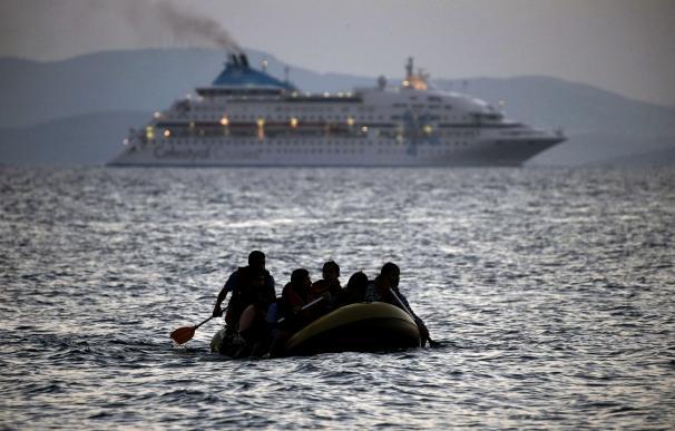 Encuentran en la costa de la isla de Kos los cadáveres cadáveres de dos niños. Foto: AFP
