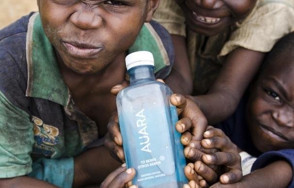 AUARA reivindica la necesidad de llevar agua limpia a millones de personas en el #DíaMundialDelAgua