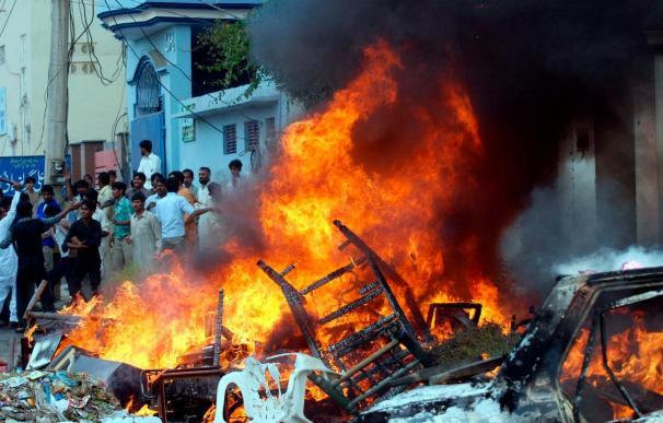 Seis muertos por disturbios entre comunidades rivales en Pakistán