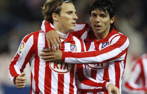Agüero y Forlán guían a un gran Atlético