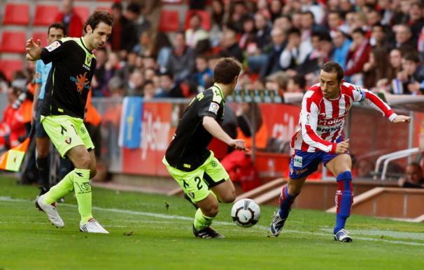 3-2. El Sporting remonta a Osasuna para dejar el descenso a once puntos