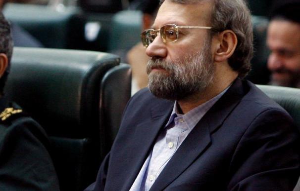 Lariyaní exige explicaciones a Washington por sus supuestos lazos con Rigi