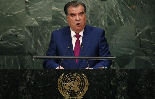 Tayikistán decide mañana si conceda a Emomali Rajmon mandatos indefinidos