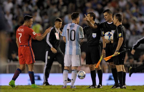 La FIFA sanciona a Messi con cuatro partidos por los insultos al cuarto ábitro