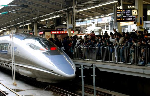 El primer tren bala que superó los 300 kilómetros hora en Japón dice adiós