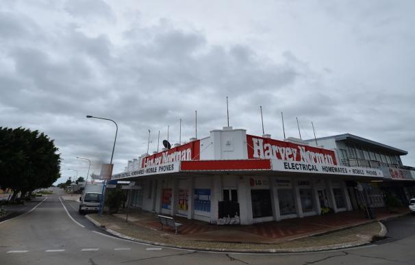 El potente ciclón Debbie de ráfagas de hasta 270 km/hora alcanza la costa australiana