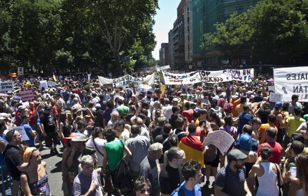 Miles de 'indignados' se manifiestan en Madrid