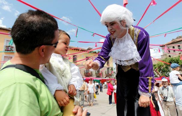 Petimetres y majos devuelven a Piedrahíta a época mayor esplendor en el siglo XVIII