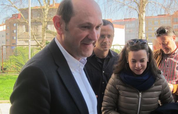 """Louzán sostiene que actuó en la Diputación """"siempre cumpliendo la legalidad"""" y tilda a Alonso Pais de """"fantasma"""""""