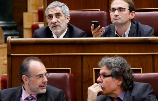 Zapatero avala una reducción del sueldo de los diputados y senadores