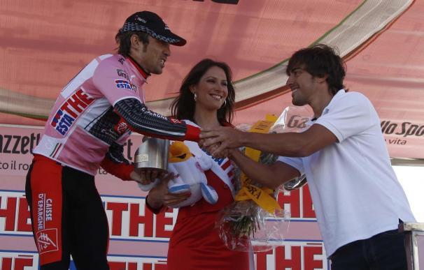 David Arroyo aguanta a Ivan Basso en la crono de Plan de Corones y conserva la 'maglia'