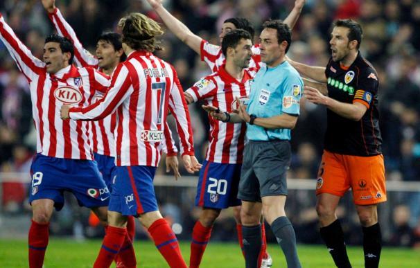 """Cerezo dice que los árbitros se equivocan, """"a veces a favor y a veces contra"""""""