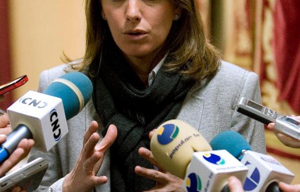 """La presidenta del Parlamento vasco no pone """"la mano en el fuego por Zapatero"""" sobre ETA"""