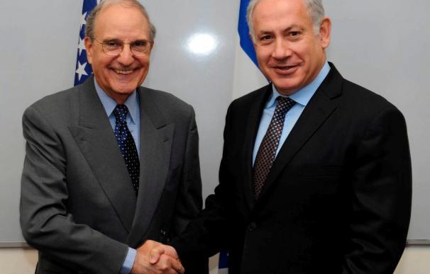 Peres pide a Mitchell que la seguridad de Israel sea una prioridad
