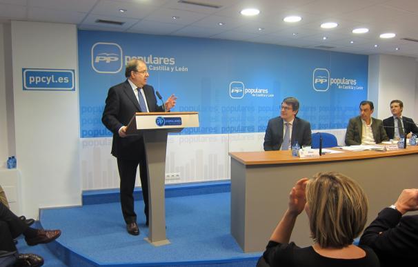 """Herrera, el hombre """"sereno y comprometido"""", renuncia a su quinto mandato al frente del PPCyL"""