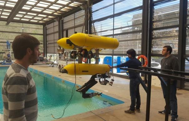 """La UJI realiza con """"éxito"""" las pruebas de integración de un novedoso robot para estudios subacuáticos"""