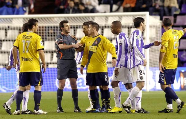 0-0. El Valladolid aguanta el empate tras jugar una hora en inferioridad