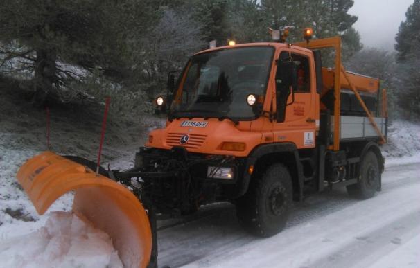 La nieve condiciona la circulación en O Cebreiro y Folgoso do Courel, en Lugo