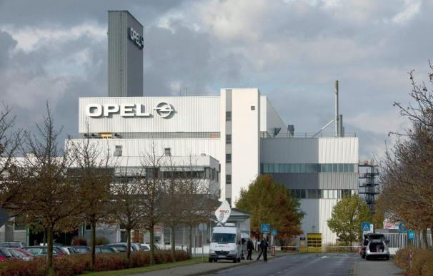 Los trabajadores alemanes de Opel asumen un mayor sacrificio para el saneamiento