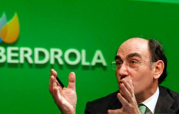 Sánchez Galán dice que quien quiera controlar Iberdrola que lance una opa en metálico