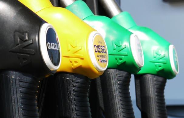 El IPC interanual se hunde hasta el -0,8% en febrero por el abaratamiento de gasolinas y alimentos