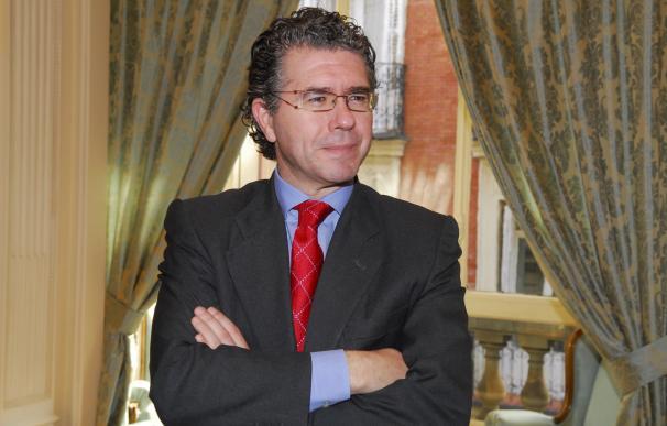 """El juez Velasco investiga si la trama regaló un """"caballo blanco"""" a Granados y su mujer"""