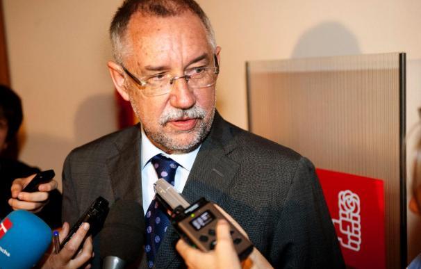 Moreno y Tirado discrepan sobre la forma y el modo del proceso de traspaso en Castilla-La Mancha