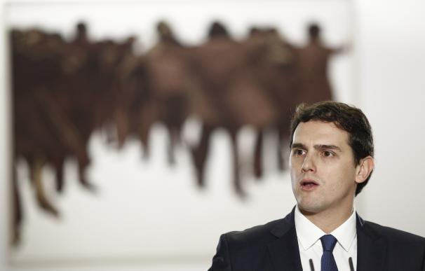 Rivera: si el Rey encarga a Rajoy que forme gobierno, Ciudadanos intentará buscar puntos en común con él