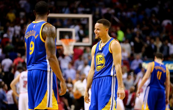 MIAMI, FL - FEBRUARY 24: Stephen Curry #30 laughs