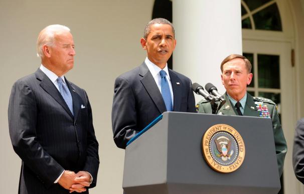 Obama reemplaza a McChrystal por Petraeus al frente de las tropas en Afganistán