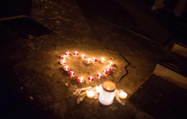 Un homenaje a las víctimas del tiroteo en Rosebourg, Oregon